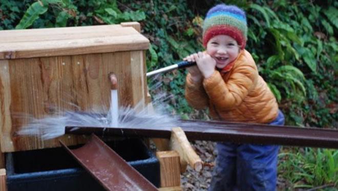 2015-play-video-water-pump